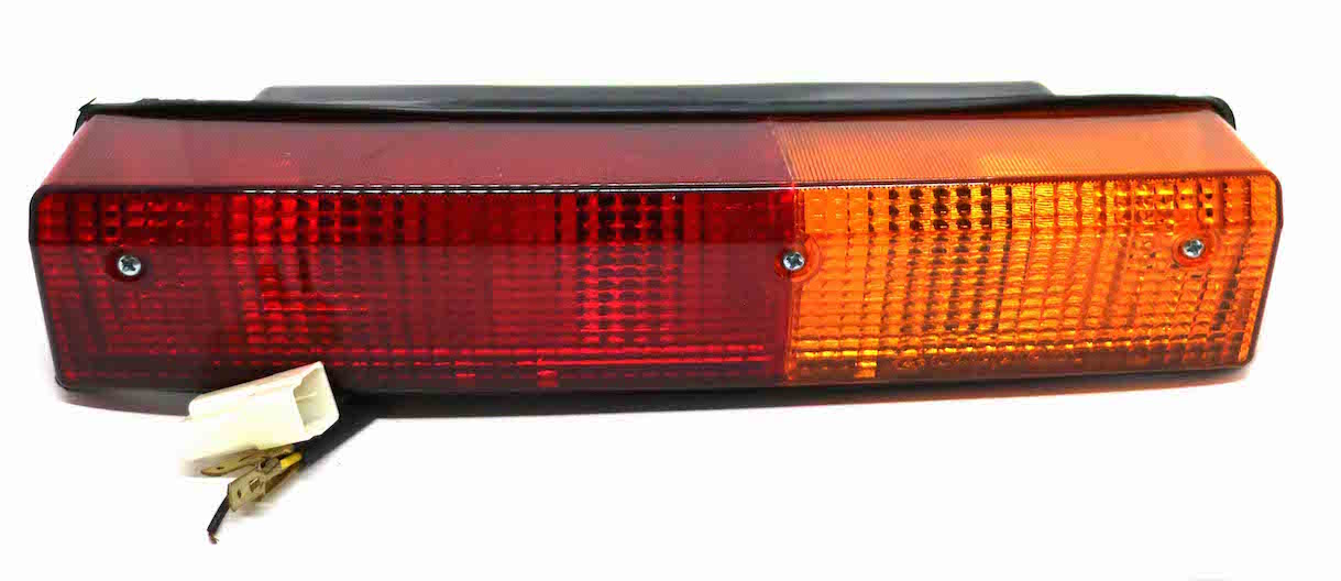 Combination Lamp (RH) (Part Number: 4997267) - Call South Burnett Tractor Parts on 07 4164 2000